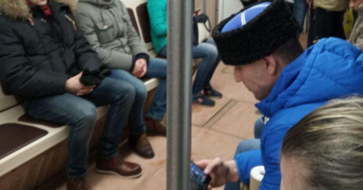 ВМинске парень выгнал «казака» извагона метро, конфликт попал навидео