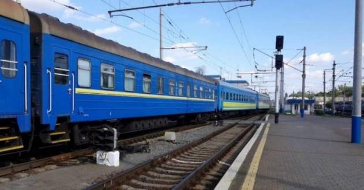 Впоезде Укрзализныци под пассажиром сломалась верхняя полка