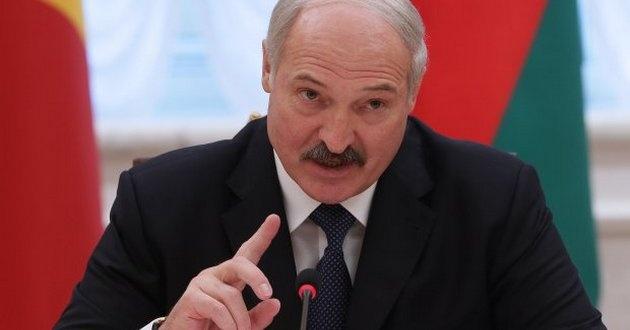 Лукашенко странно поздравил Украину с Днем победы