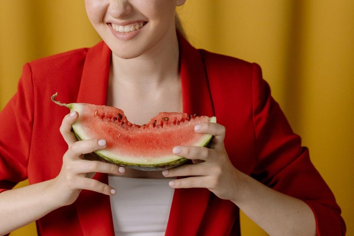 Не выплевывайте: врачи говорят, что семена арбуза полезно съедать
